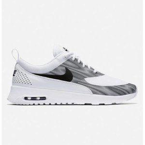 Nike Air Max Thea Sneakers 8.5